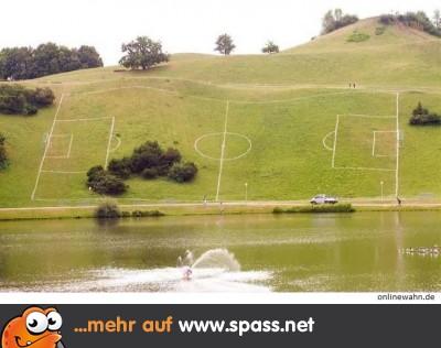 [Bild: Onlinewahn-Fussball-fuer-Fortgeschrittene-400x276.jpg]