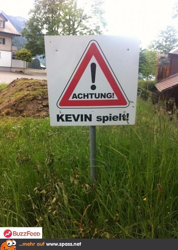 Kevin Spielt Lustige Bilder Auf Spassnet